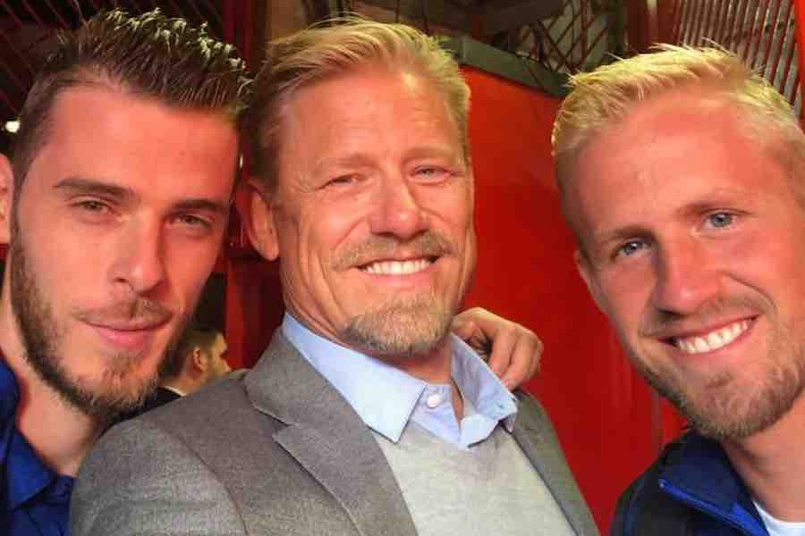 Photo: David De Gea hanging out with Peter and Kasper Schmeichel |  Football-Addict