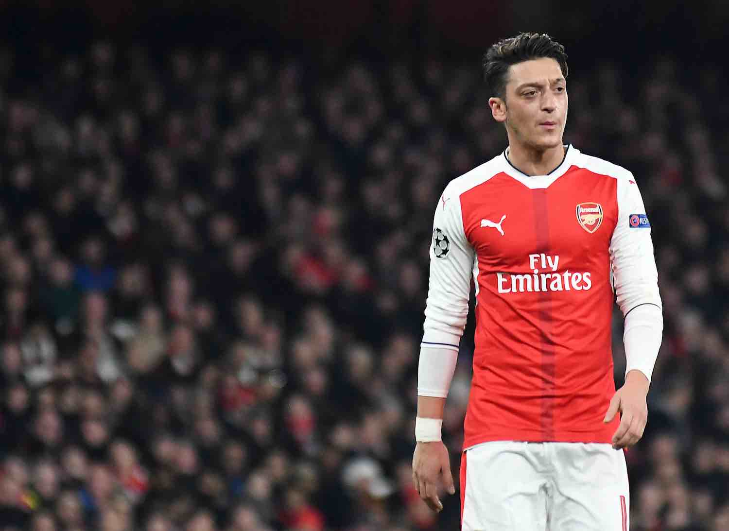 Mesut Ozil says he wants to stay at Arsenal | Off The Post