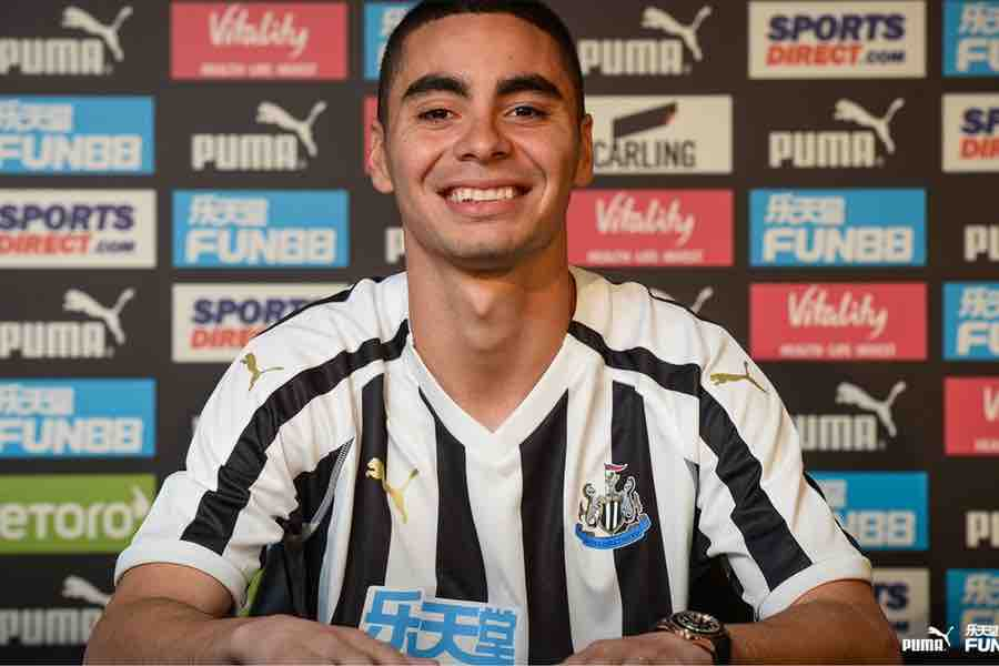 best service a4dea 2142f Photo: Miguel Almiron poses in Newcastle shirt after £21m ...